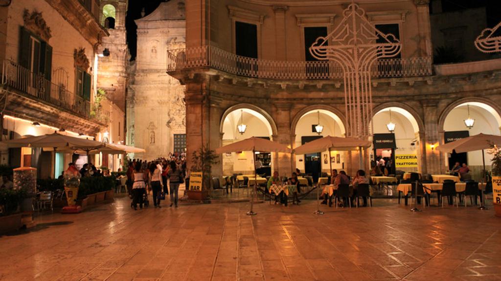 np_Martina-Franca-Piazza-Plebiscito